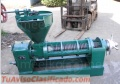 La maquina  prensa de aceite MKOP160