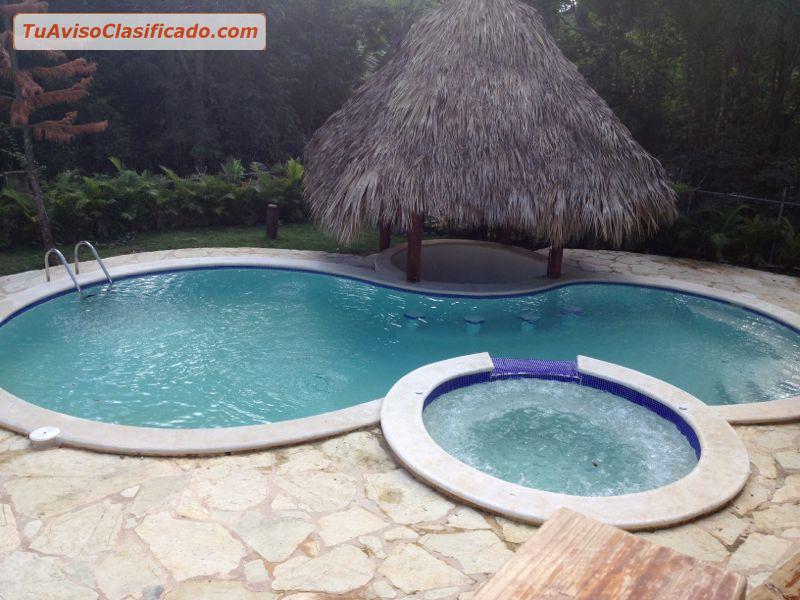 Villa de 3 habitaciones 3 5 ba os piscina jacuzzi for Piscinas con jacuzzi precio